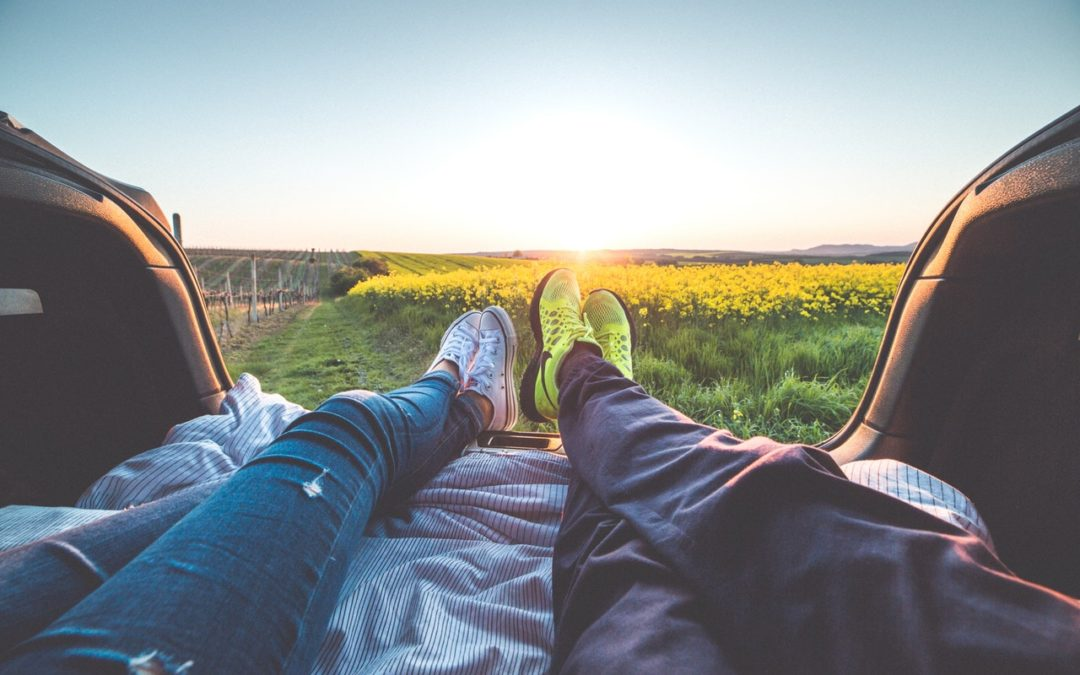 Mindful Dating: 5 Ways to Adopt This Mentality Plus 4 Sites to Try